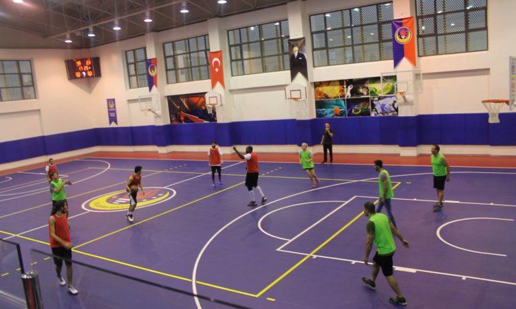 Consulate Adana and STU Teams playing basketball